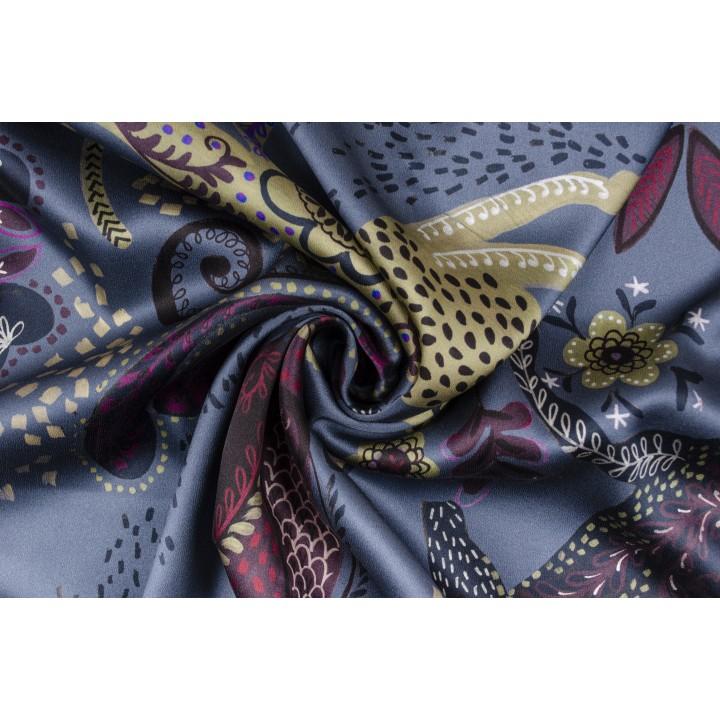 Шелковый атлас со «сказочным» принтом на синем фоне