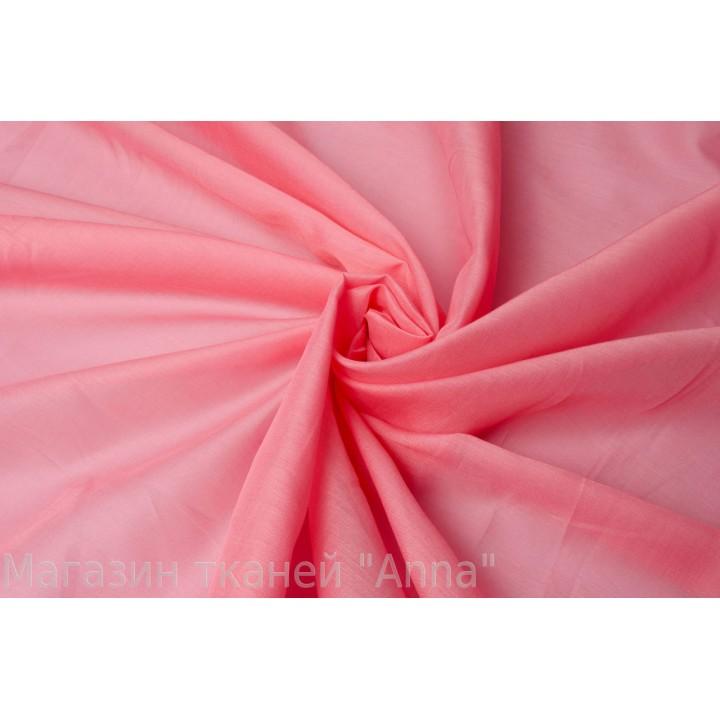 Мягкий батист телесного розового цвета.