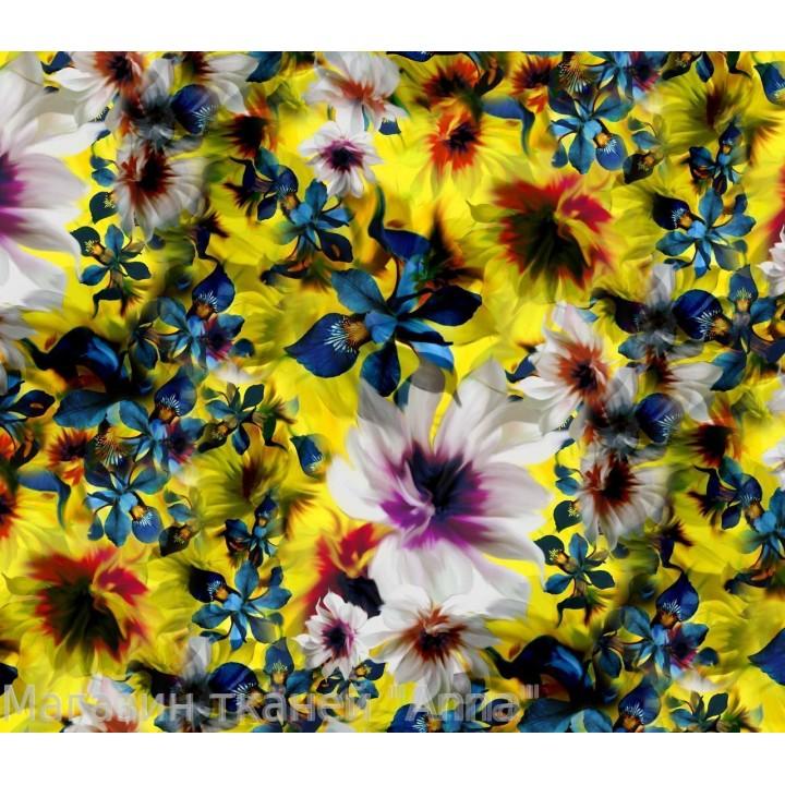 Яркий батист с красивыми цветами
