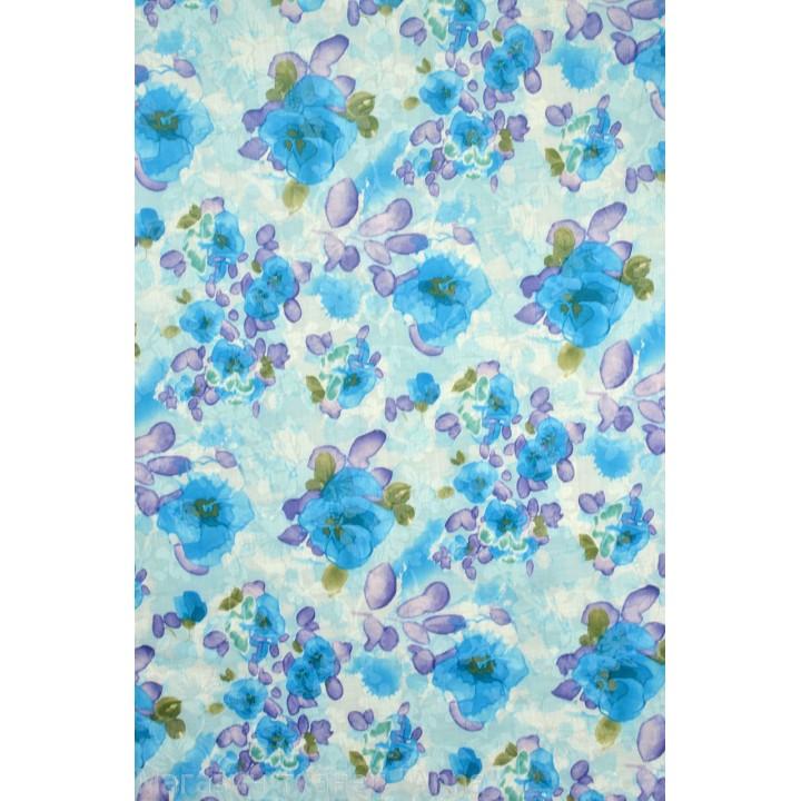 Размытый рисунок голубого оттенка с фиолетовыми и зелеными вкраплениями,  размер цветов  примерно 8-12 см