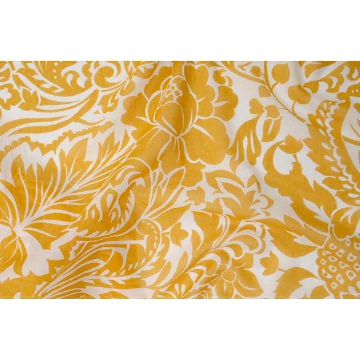Батист белого цвета с крупным желтым узором
