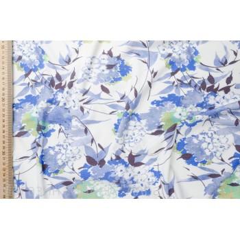 Трикотаж джерси с голубыми цветами на белом фоне