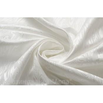 Белое жаккардовое полотно с узором