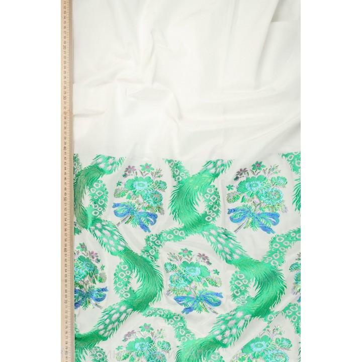 Жаккардовое полотно с вышивкой в зеленом цвете