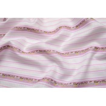Плотный жаккард в поперечную бело-розовую полоску с цветами, хорошо драпируется.