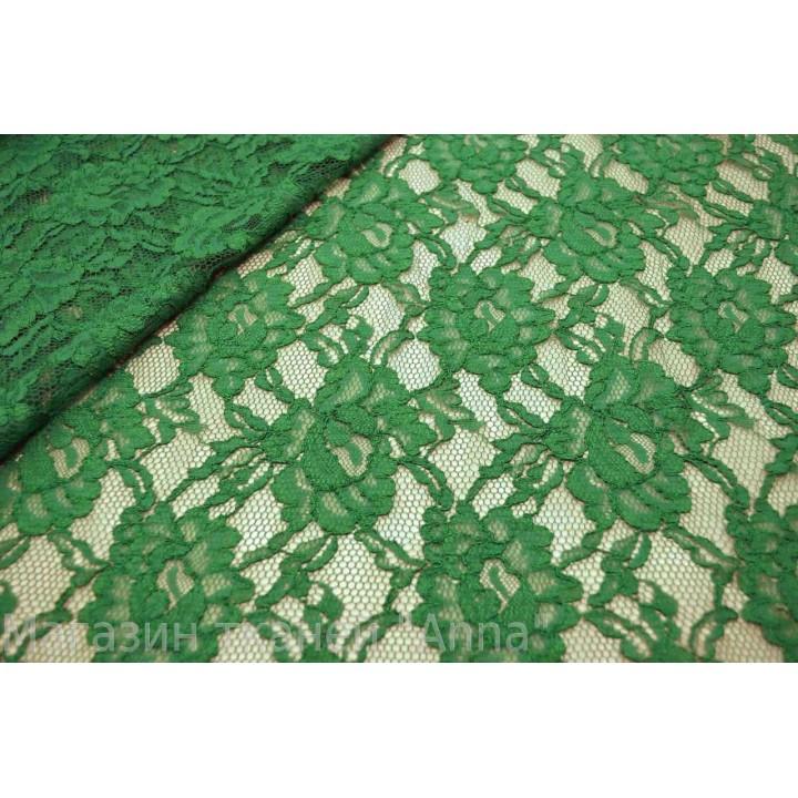 Гипюр насыщенного зеленого цвета