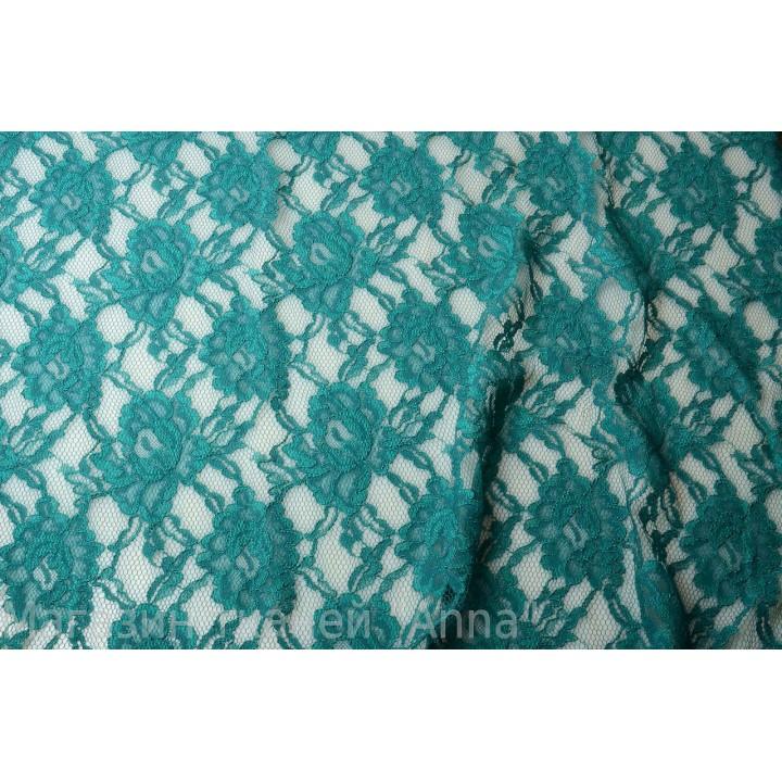 Мягкий гипюр цвета морской волны, цветочный рисунок и кордовая нить по полотну.