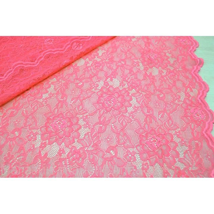 Розовый гипюр, фестоны с обоих сторон