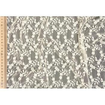 Тонкая сетка-гипюр с мелкими цветами