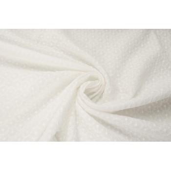 Шитье молочного цветам с мелкой вышивкой