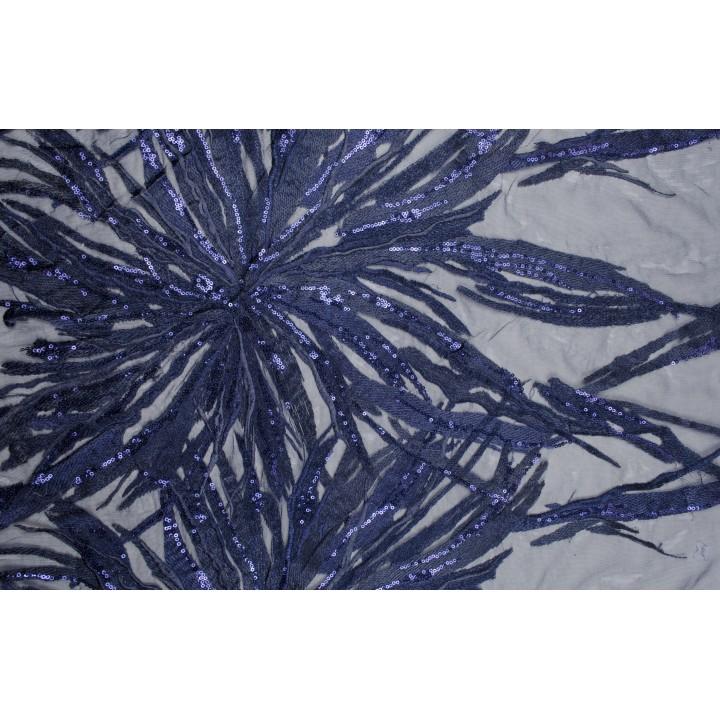 Темно-синяя сетка с крупными цветами из пайеток