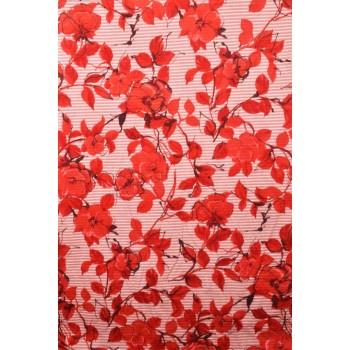 Батист красного цвета с цветочным узором