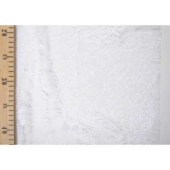 Белое кружево шантильи с классическим узором