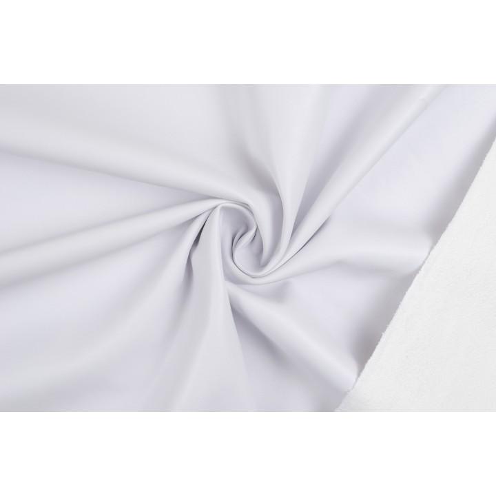 Мягкий плотный кожзам холодного белого оттенка