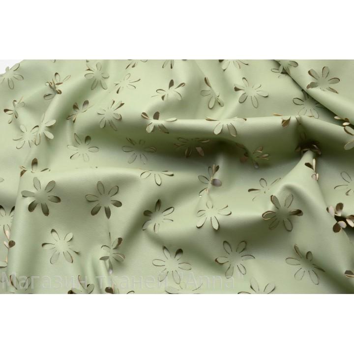 Кожа-стрейч в зеленом болотном цвете с перфорацией
