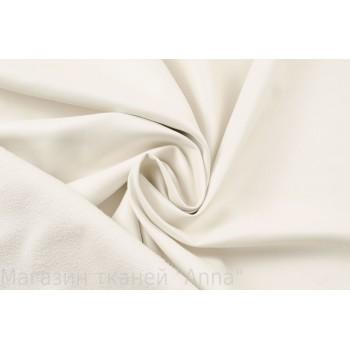 Кожзам плотный костюмно-плательный белого цвета