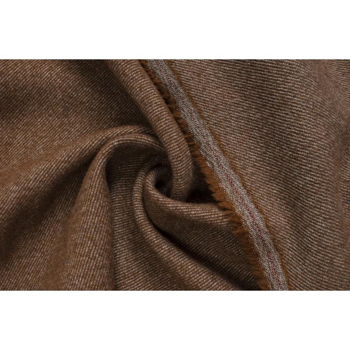 Плотная коричневая шерсть в диагональный рубчик