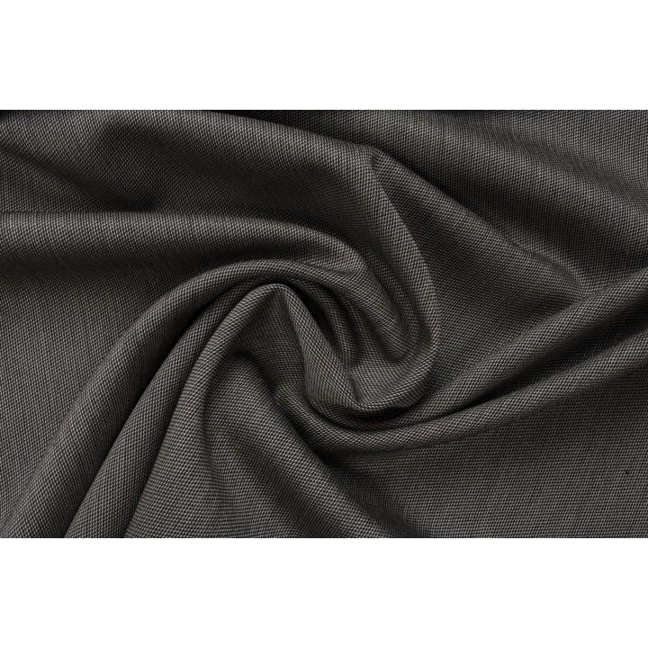 Темно-серая шерсть с гладкой поверхностью