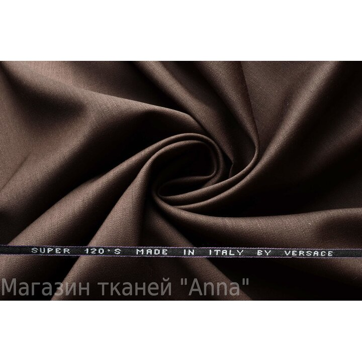 Темно бежевый с серым оттенком, мягкая тонкая костюмная шерсть.