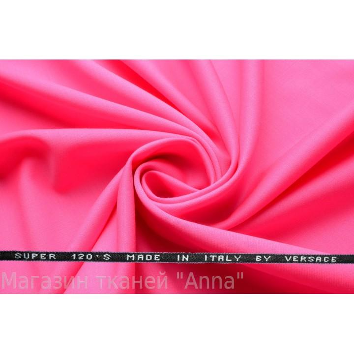 Ярко-розовый, мягкая тонкая костюмная шерсть.