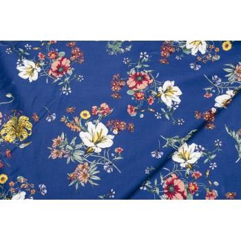 Плотный костюмно - плательный коттон с цветами на ярком синем фоне