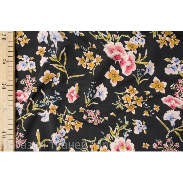 Крепдешин с мелкими цветочками на черном фоне