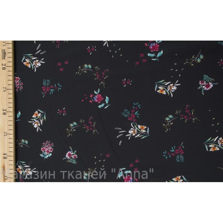 Крепдешин с мелким цветочным принтом на черной основе