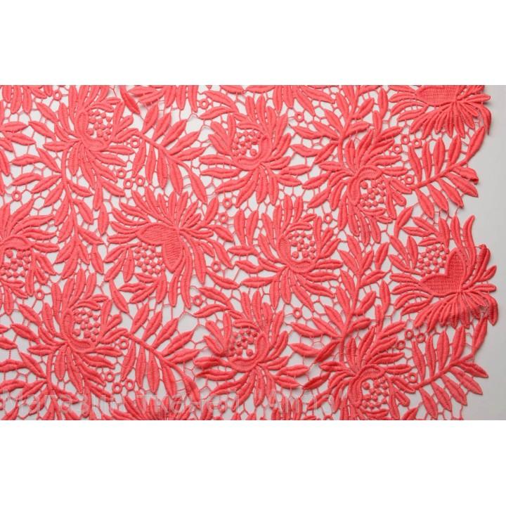 Мягкое макраме кораллового цвета