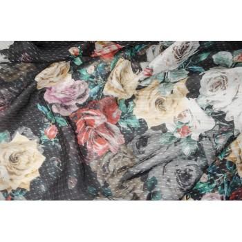 Легкий шелковый маркизет с красивыми розами на черном фоне