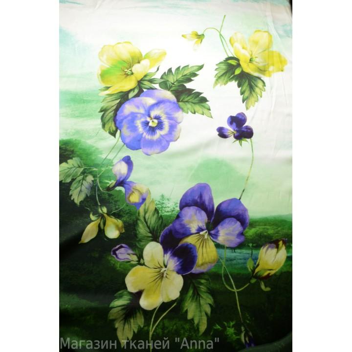 Ткань с атласным блеском, яркие цветы на фоне пейзажа, размер цветов 10-15 см.