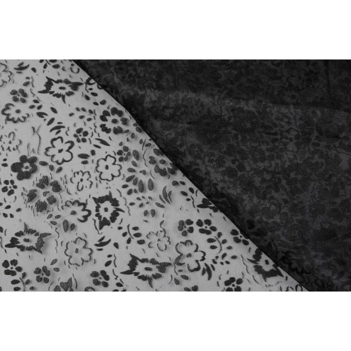 Черная органза с мелкими рельефными цветами