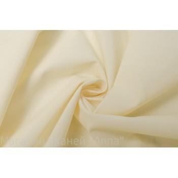 Плотная сетка молочного цвета