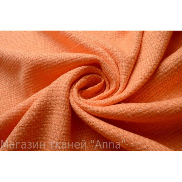Мягкая светло-оранжевая шанель
