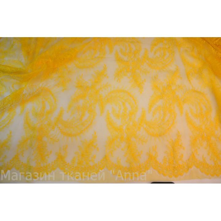 Кружево Solstiss насыщенного желтого цвета, фестоны с обоих сторон