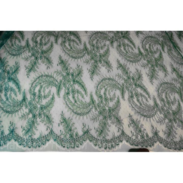 Шантильи темно зеленого цвета - фестоны с двух сторон