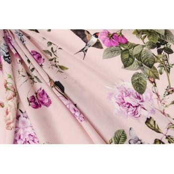 Нежные пионы и бабочки на розовом фоне натурального шелка