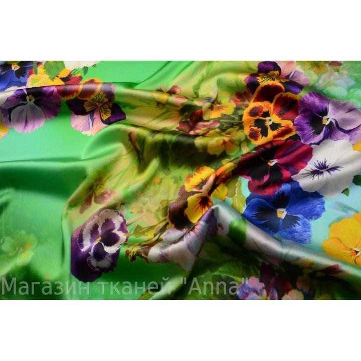 Атласный цветной шелк с анютиными глазками