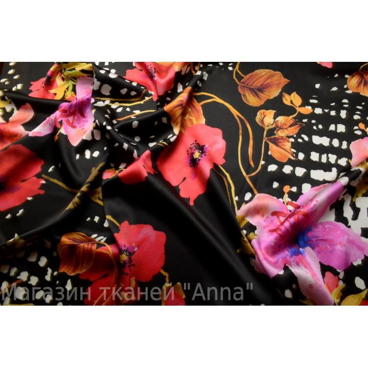 Шелк атласный, цветы на черно фоне, ткань отрезается на метраж