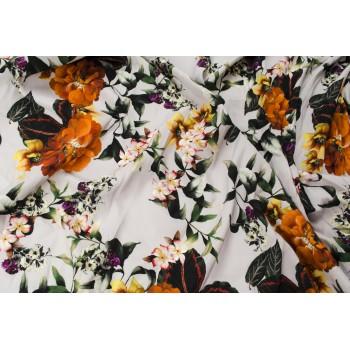 Матовый шелк-стрейч с оранжевыми цветами на нейтральном бежевом фоне