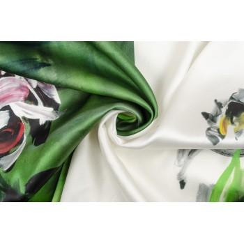 Атласный шелк с цветами в стиле акварель