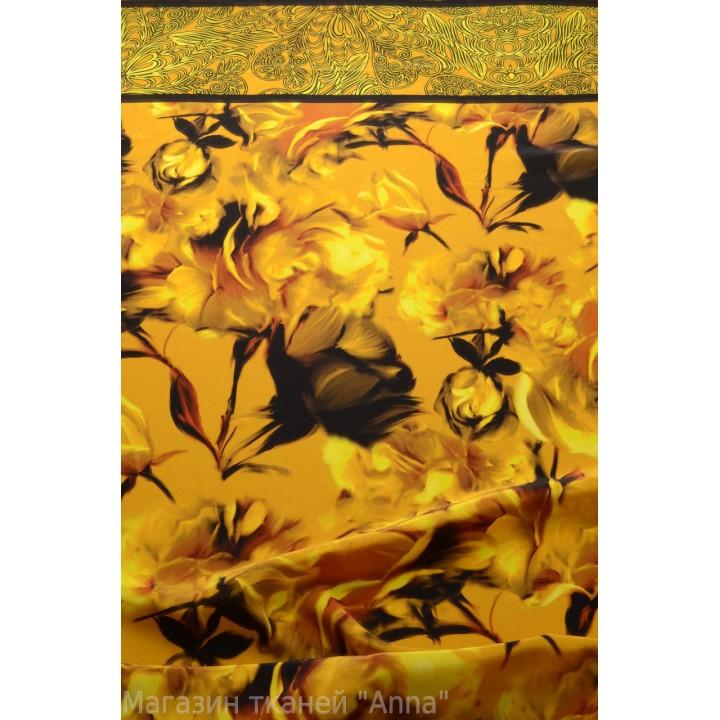 Красивые цветы в песочно-золотом цвете с декоративной каймой по одному краю