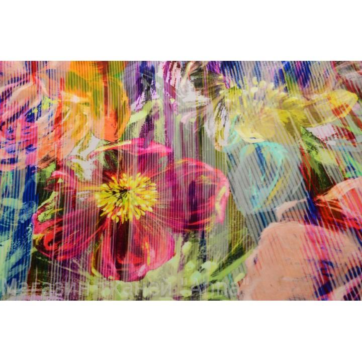 Креп с крупными цветами в ярком цвете