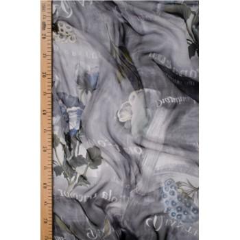 Шелковый шифон в серо-синей гамме с цветами и надписями