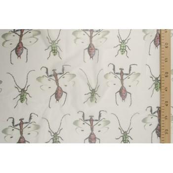 Эксклюзивный шелк с принтом GUCCI - жуки на белом фоне