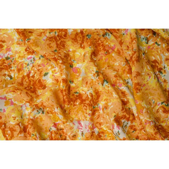 Ярко-оранжевый штапель с цветами в стиле акварель
