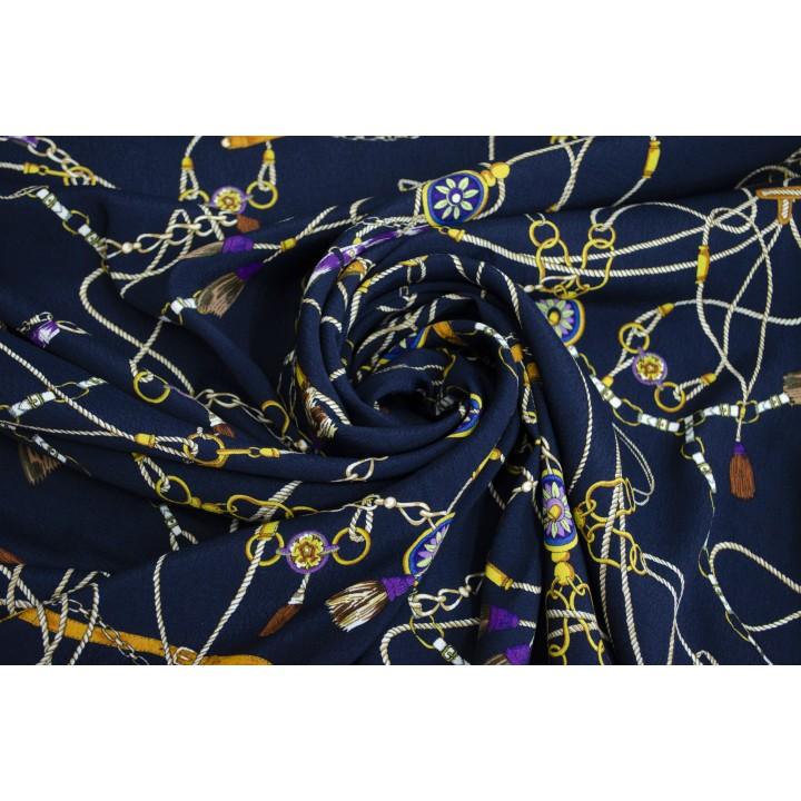 Темный синий штапель с золотистыми цепочками