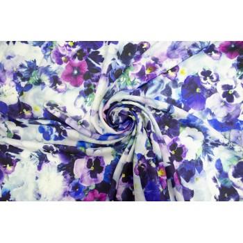 Яркий штапель с красивыми цветами Анютины глазки
