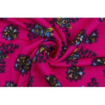 Плотный хлопковый Джерси с цветами на розовом фоне