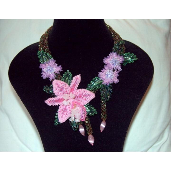 Колье Розовая Орхидея выполнено из Японского бисера Matsumo на основе из лески